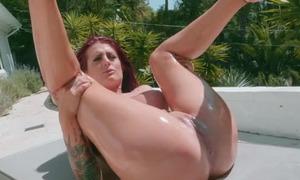 Tattooed vixen wanna feel massive flannel in her wet pussy